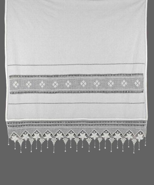 Traditionelt gardin med Atrade og blonder