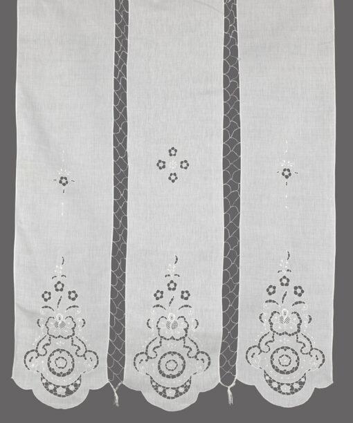 Традиционный занавес-триптих ручной работы с разрезной вышивкой