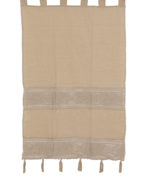 アトレード、レース、フリンジ付きの伝統的な手作りのカーテン