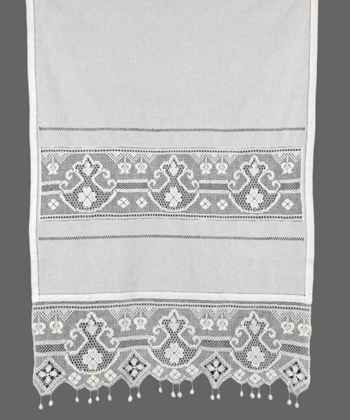 ستارة تقليدية مصنوعة يدويًا مع قماش أتريد ودانتيل