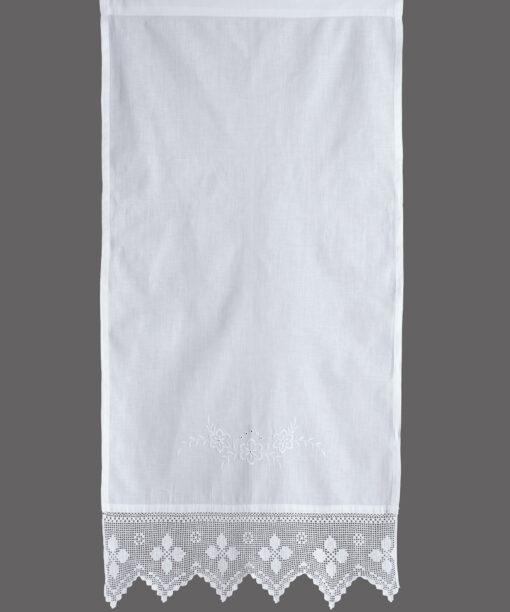 Traditionell handgjord gardin med spets