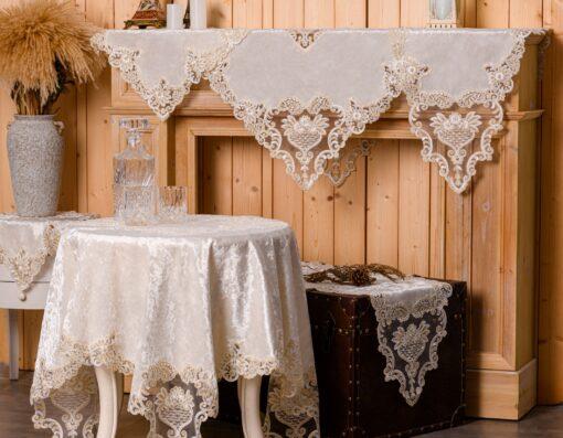 Estructura de terciopelo blanco y estructura de mesa con encaje
