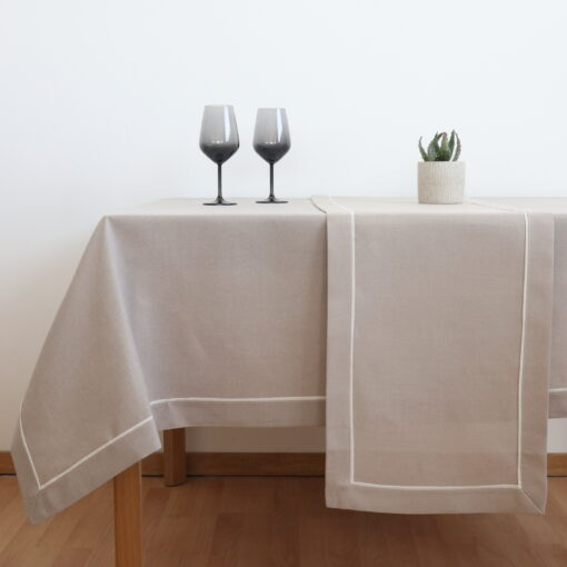 Traverse and Dining Tablecloth Monochrome with Edge (1)