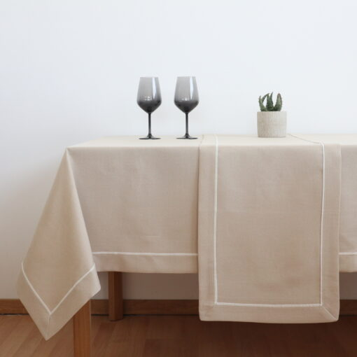 Traverse and Dining Tablecloth Monochrome with Edge (2)