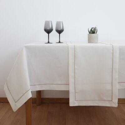 Τραβέρσα και Τραπεζομάντηλο Φαγητού Μονόχρωμο με Μπορντούρα