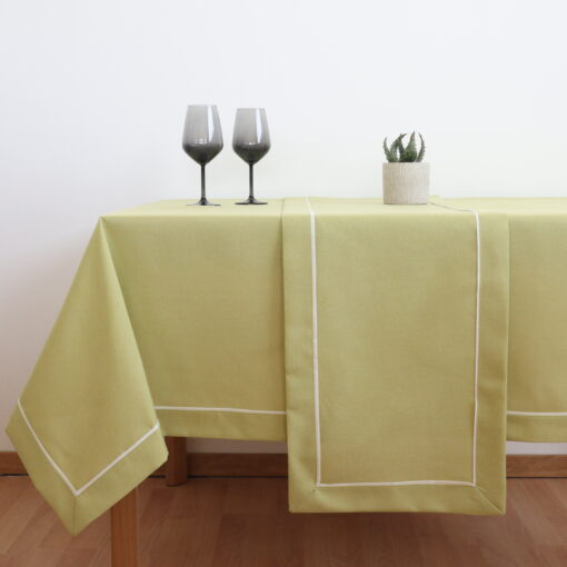 Traverse and Dining Tablecloth Monochrome with Border