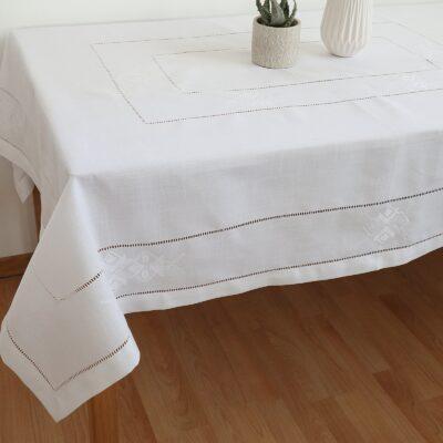 Τραπεζομάντηλο Φαγητού Λινό με Κέντημα Μηχανής (Λευκό)