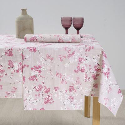 Baumwolltischdecke und Dekorationsgegenstände mit bedrucktem Muster