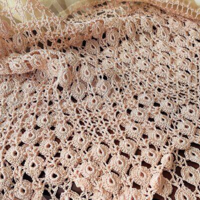تجراف الحرير مع عجلة الدانتيل الصغيرة