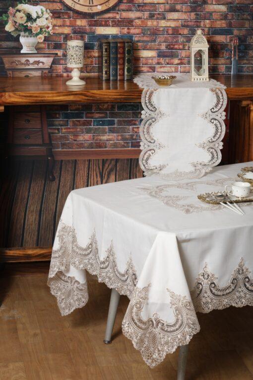 Льняная скатерть и траверс с шелковым кружевом и макраме