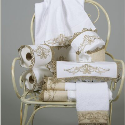 Towels / Bathroom Items with Fasset from Embroidered Linen and Macrame