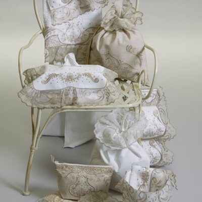 Towels / Bathroom Items with Embroidery and Edge Tulle with Chain Stitch (White)