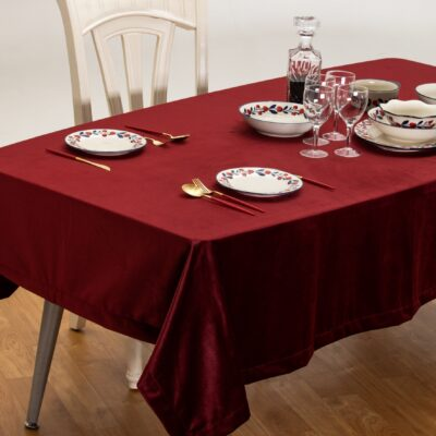 Nappe en velours bordeaux