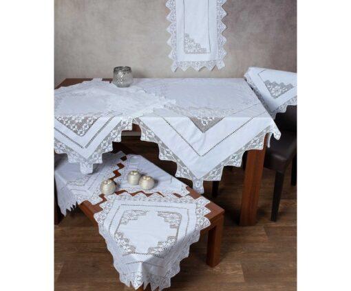 Χειροποίητο Τραπεζομάντηλο Φιγούρας με Πλεκτό Κέντημα και Δαντέλα 170 x 220 Λευκό