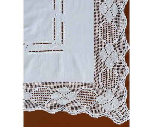 Χειροποίητο Τραπεζοκαρέ Φιγούρας με Κοφτό Κέντημα και Δαντέλα 140 x 140 Λευκό
